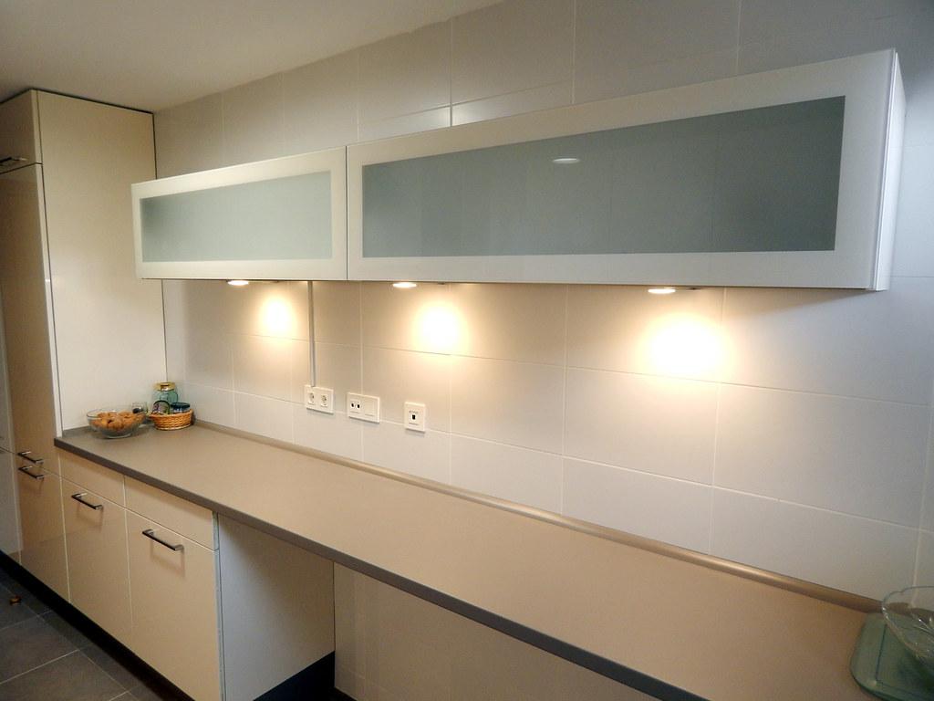 Muebles de cocina magnolia alto brillo - Cocinas sin muebles altos ...