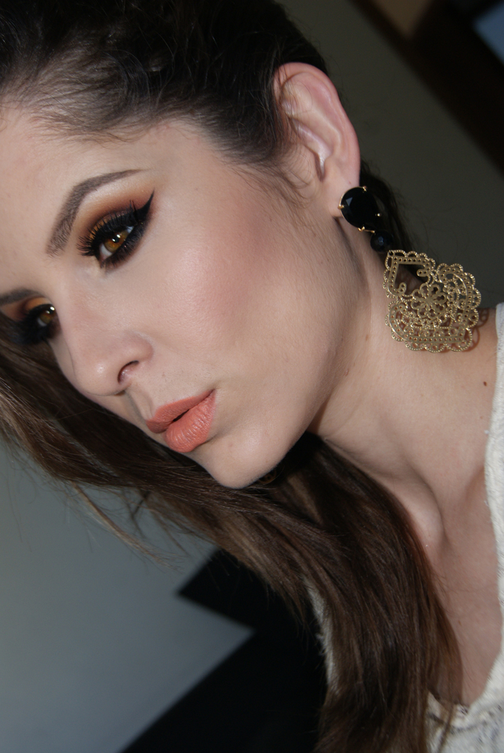 makeupgeek-paleta-vegas-lights-014