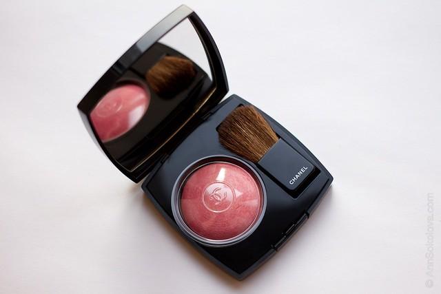 04 Chanel   Joues Contraste Powder Blush 170 Rose Glacier