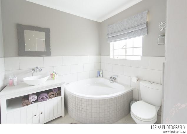 En suite bathroom before after lovilee for Bathroom heaters builders warehouse