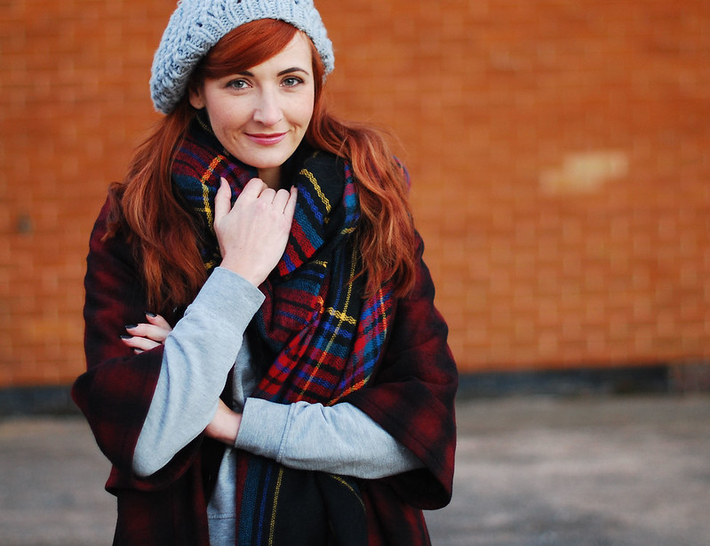 Triple plaid pattern mixing: reds and greys #winter #style