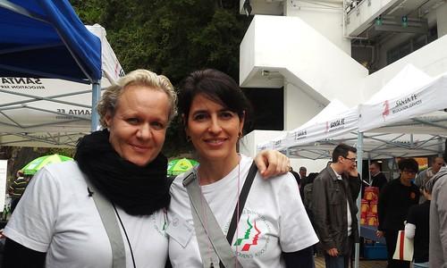 意大利婦女會的Michela (左)同Paola (右)希望多些香港人可以知道她們的活動