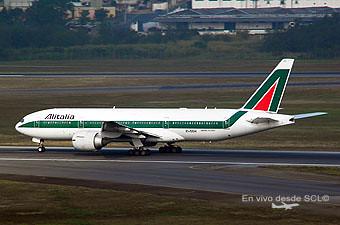 Alitalia B777-200ER (E.Moura)