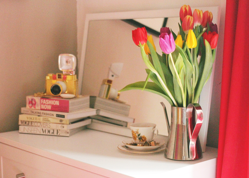 How to decorate a bedroom, Bumpkin Betty