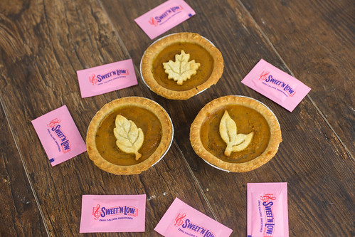 Skinny Mini Pumpkin Pies with Sweet'N Low #SweetNLowStars