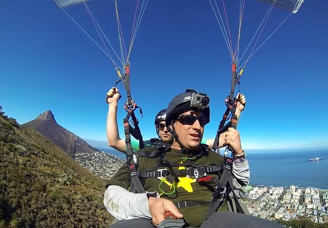 Sele haciendo parapente en Ciudad del Cabo (Sudáfrica)