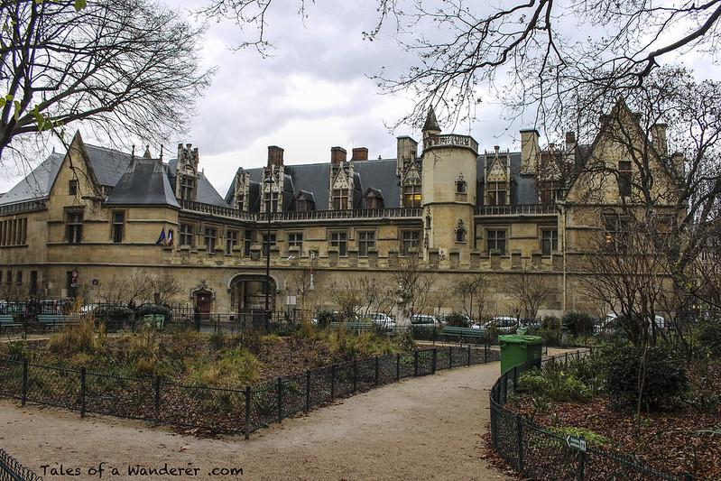 PARIS - Place Paul Painlevé / Hôtel de Cluny