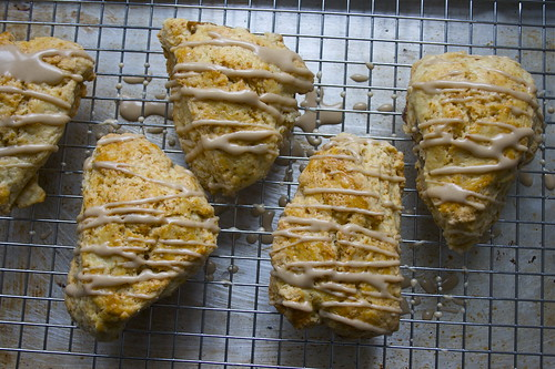 Maple & walnut buttermilk scones