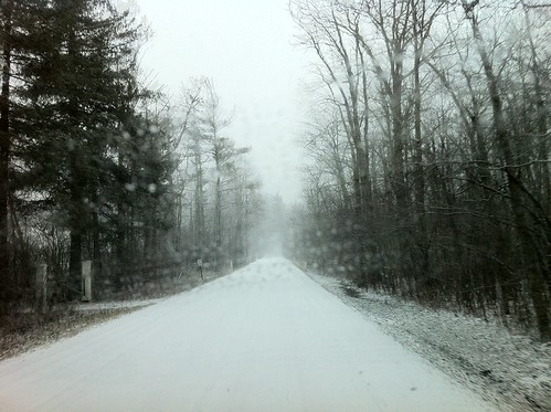 road snow woods poem robertfrost stoppingbywoodsonasnowyevening