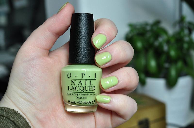 notd opi gargantuan green grape nail polish rottenotter rotten otter blog