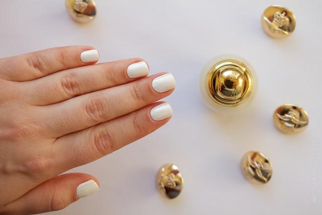 15 Dior Diorific Vernis #022 Mirror over Mavala   White + topcoat