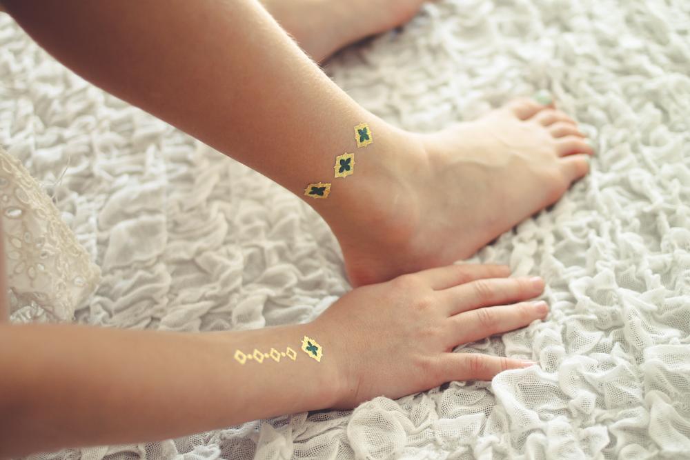 Gumtoo Metallic Gold Tattoos-3