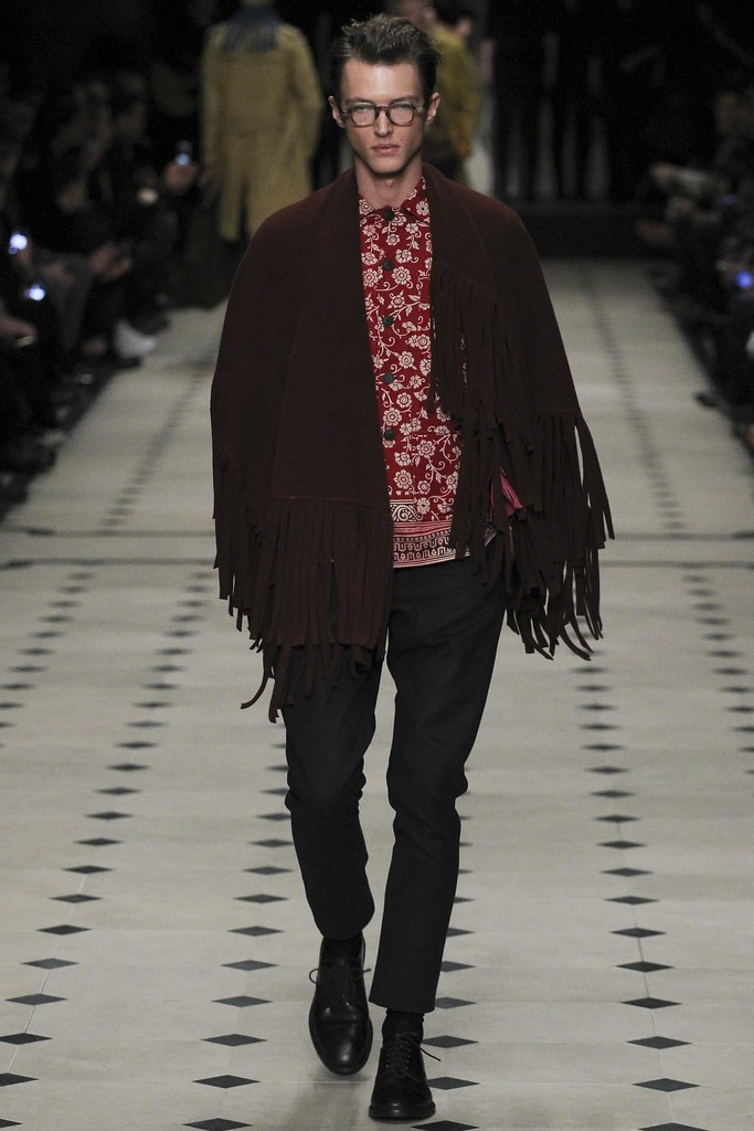 FW15 London Burberry Prorsum006_Abel van Oeveren(VOGUE)
