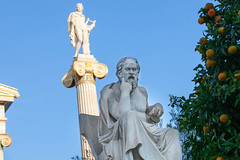 De los Presocráticos a Sócrates stories