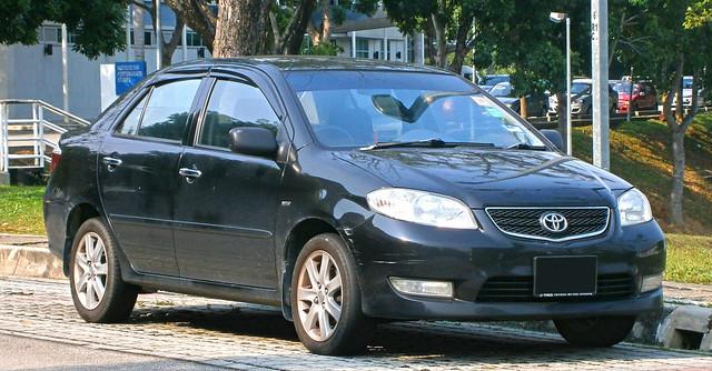 Corolla (E120) - Toyota