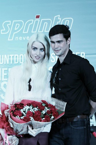 Phil Younghusband & Allison Harvard