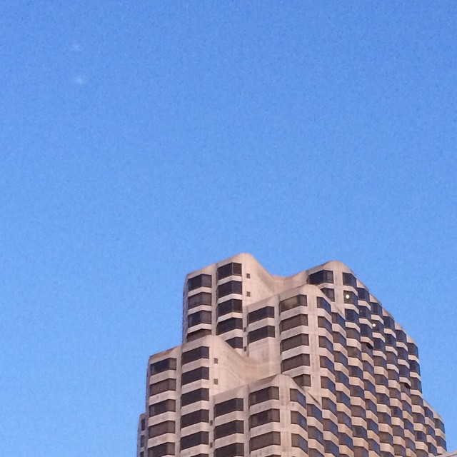a building in san francisco, taken on my walk from the office to the hotel i stayed at last time