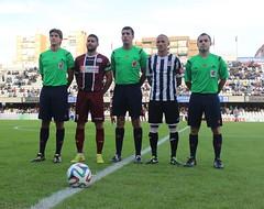 TRÍO ARBITRAL Y CAPITANES DEL FC CARTAGENA CÓRDOBA B