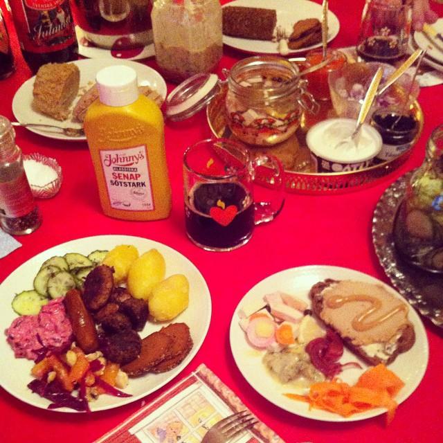 Och så vört med julskinka och senap på såklart! Goood jul! #vadveganeräter