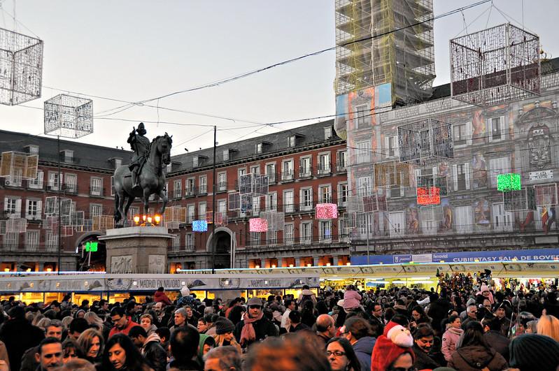 http://hojeconhecemos.blogspot.com.es/2001/12/guia-do-natal-em-madrid.html
