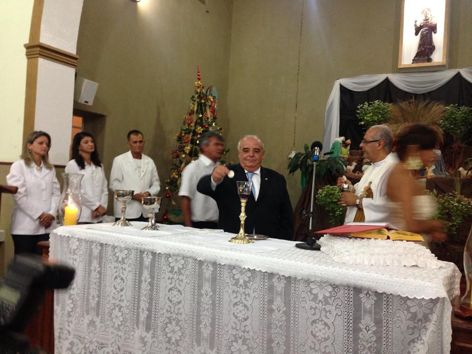 Em Itutinga, missa de ação de graças em homenagem aos formandos. Reconhecimento a diretora, professores e a prefeita Alba, ex diretora da Escola Estadual2