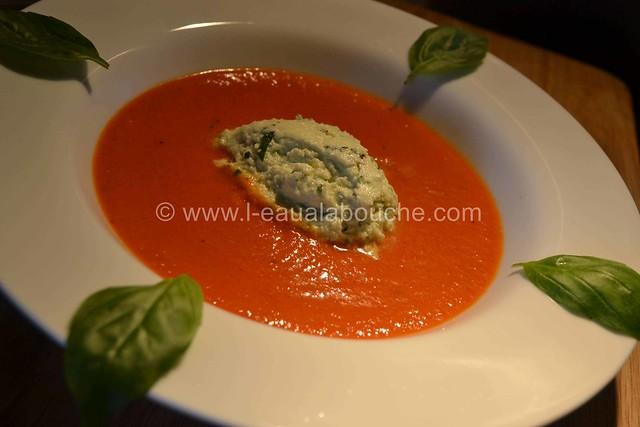 Velouté deTomate et sa Crème de Mozzarella au Basilic © Ana Luthi Tous droits réservés 15