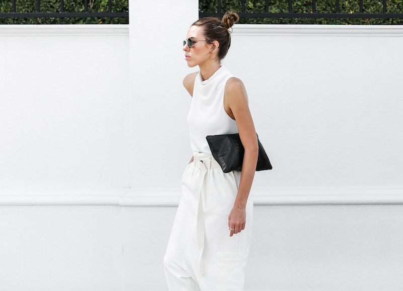 modern legacy fashion blog Bassike slouch pant all white outfit street style Camilla and Marc MONDEFILE slide sandals (6 of 6)