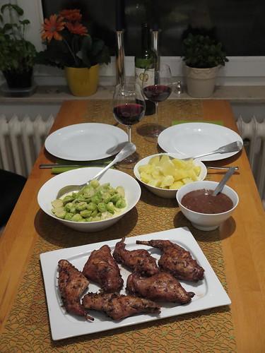 Kaninchenkeulen in Cognac-Walnuss-Soße (aus dem Römertopf) mit Rosenkohl und Salzkartoffeln