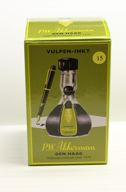Ink Tasting Tuesday Review: P.W Akkerman Voorhout Violet Ink