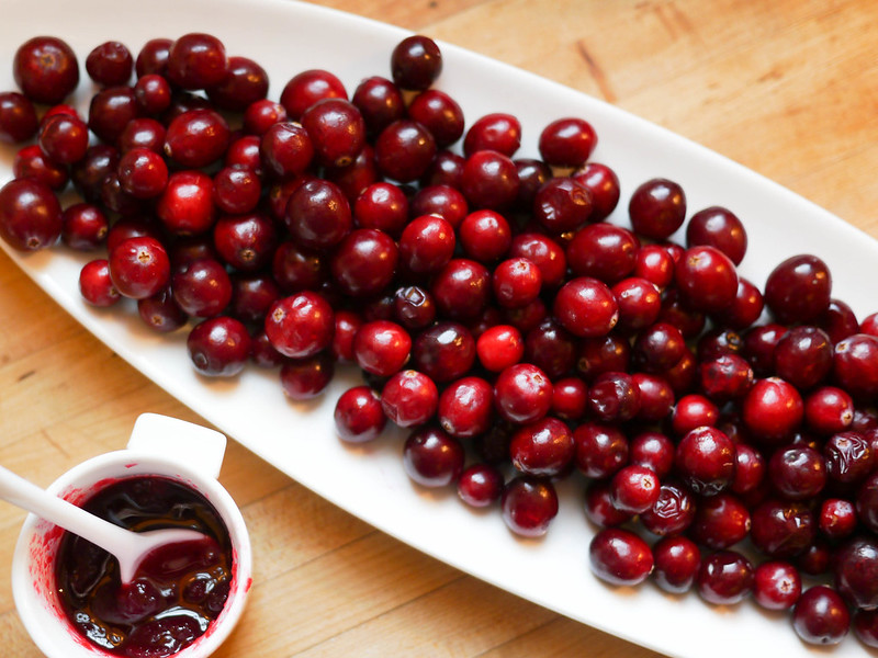 Pickeled cranberries - before and after