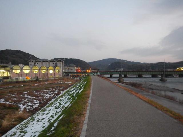 京阪宇治駅を眺める