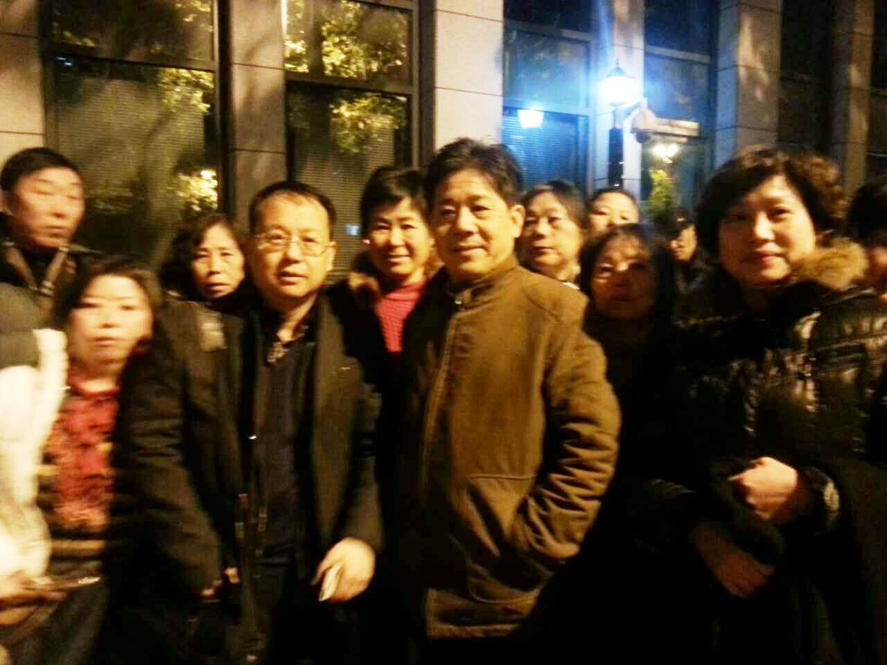 20141212庭审后刘晓原与冯正虎7