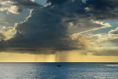 travel sunset summer beach rain weather atardecer boat lluvia sailing playa viajes curacao verano caribbean raining navegando curazao bote netherlandsantilles caribe clima lloviendo antillasholandesas daaibooi nikonflickraward daaibooibeach playadaaibooi