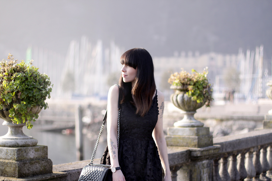 riva del garda garda lake lago di garda italia italy outfit chicwish dress lace black chanel le boy girl bangs brunette travel travelblogger fashionblogger outfit ootd lookbook fashion girl german ricarda schernus blog blogger hannover berlin 3