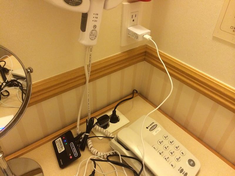 モバイルルーターなどを充電