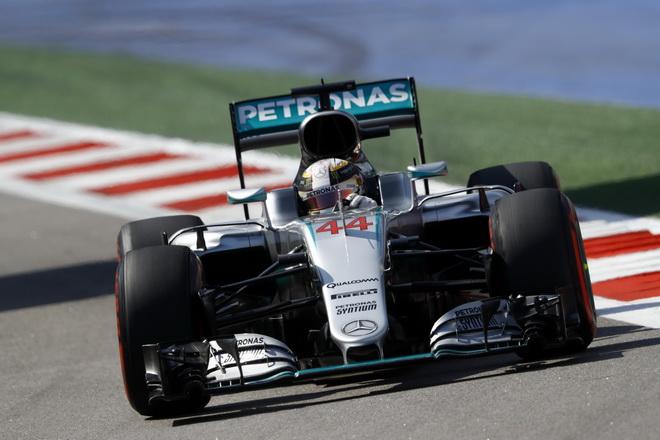 在充分利用車輛動力、換胎策略等因素下,Lewis Hamilton順利奪下本站亞軍的席次