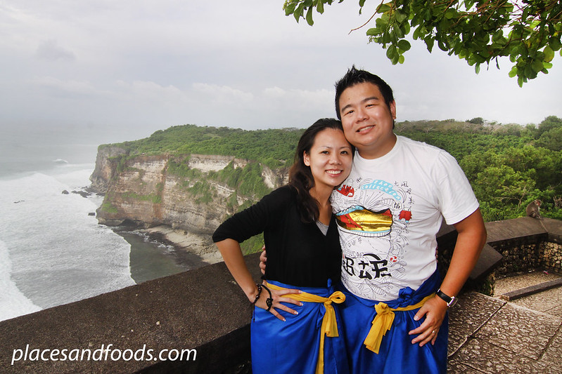 uluwatu cliff places and foods