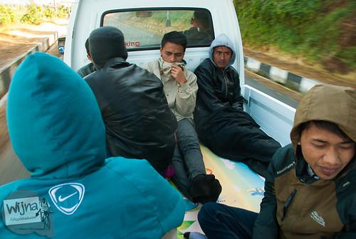 menumpang naik mobil pickup ke Dieng Culture Festival 2014