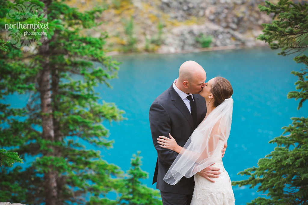 Melissa & Troy - After Wedding Session at Moraine Lake