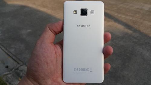 Samsung Galaxy A5 ด้านหลัง