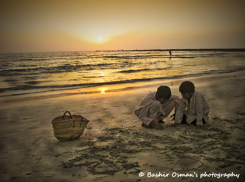 pakistan sea people net beach fisherman with folk karachi sindh paquistão باكستان bashir 巴基斯坦 balochistan پاکستان travelpakistan 파키스탄 baluchistan pakistán کراچی indusvalleycivilization パキスタン пакистан карачи bashirosman gettyimagesmiddleeast كراتشي καράτσι કરાચી कराची aboutpakistan aboutkarachi travelkarachi પાકિસ્તાન পাকিস্তান pakistāna pakistanas bashirusman bashirosman'sphotography sunsetplaying sandsandsandy