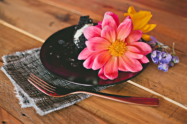 DIY Fresh Floral Cake