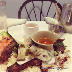 """I'm in Vietnamese Heaven! #whatsprinceeating: """"Beef Spring Rolls & A Plate of White Rice with Beef"""" www.princesdailyjournal.com #princesdailyjournal #princeinthecity #foodie #foodart #myfab5 @bestfoodboston #phofood #pho #iphonephotography #instagood #Ins"""