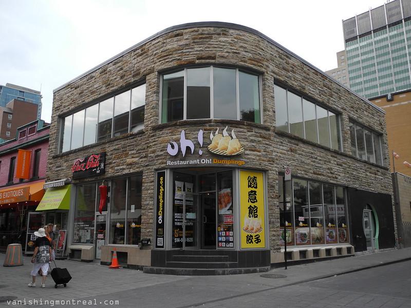 Clark street in Chinatown 16
