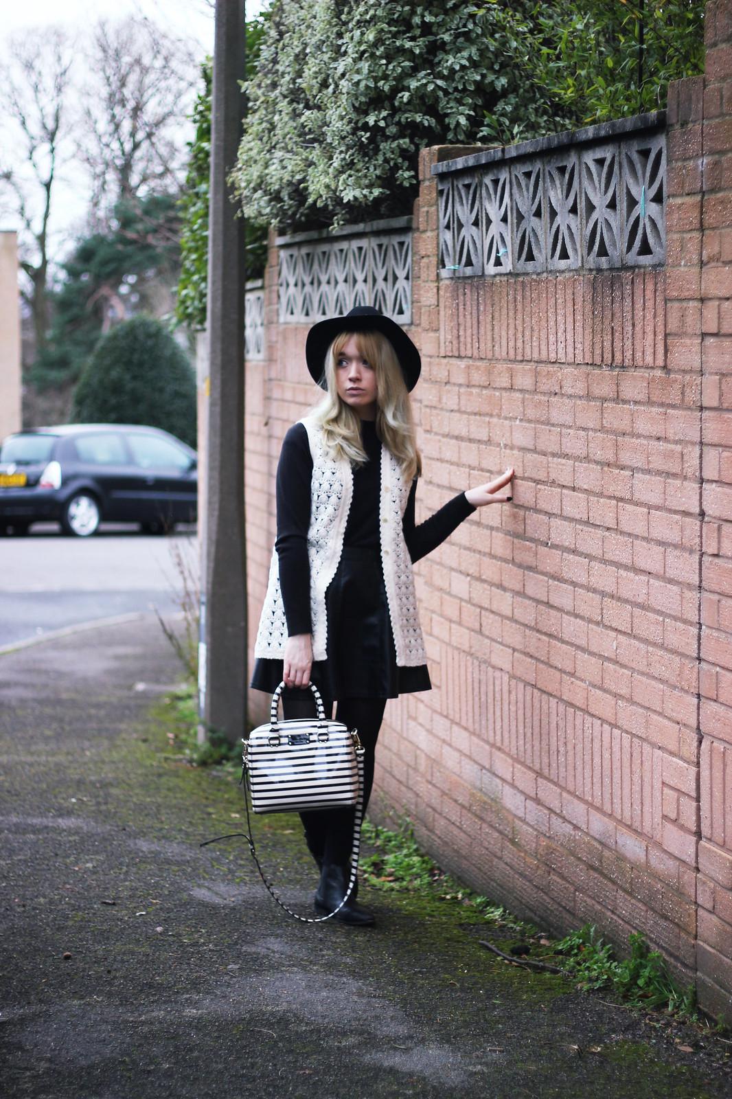 5-crochet-Waistcoat-outfit, fashion-blogger-style, boho, mod