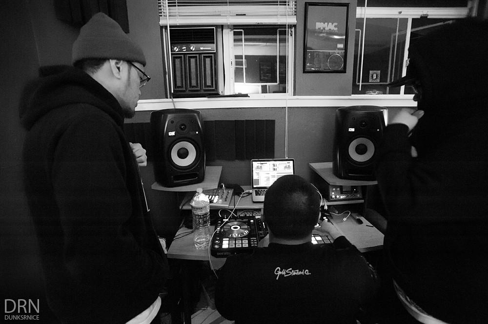 AR2 Studio B&W.