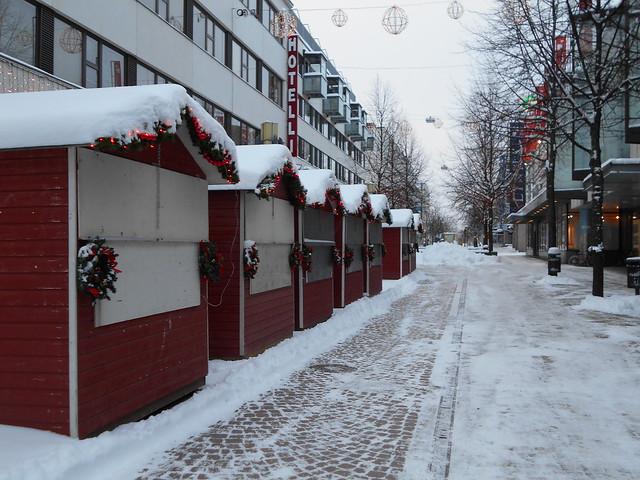 """Lumista kävelykatu """"Reskaa"""" 25.12.2014 Hämeenlinna"""
