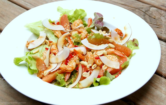 Pink Grapefruit, Prawn & Toasted Coconut Salad 2