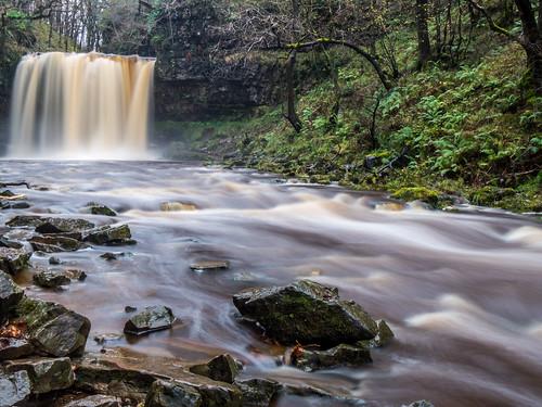 wales waterfall breconbeacons ystradfellte