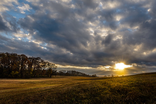 autumn sunset fall pennsylvania revolution revolutionarywar battlefield georgewashington veteransday valleyforge